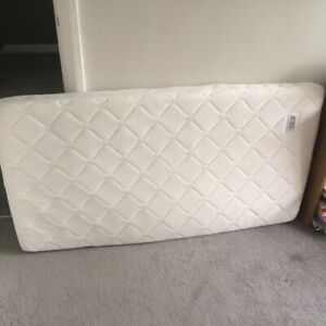 Mamas And Papas - Cot Bed Mattress (139x 69cm) Deluxe spring 3d spacer mesh