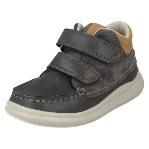Boys Clarks Cloud Tuktu Fst /& Inf Leather Moccasin Style Ankle Boots