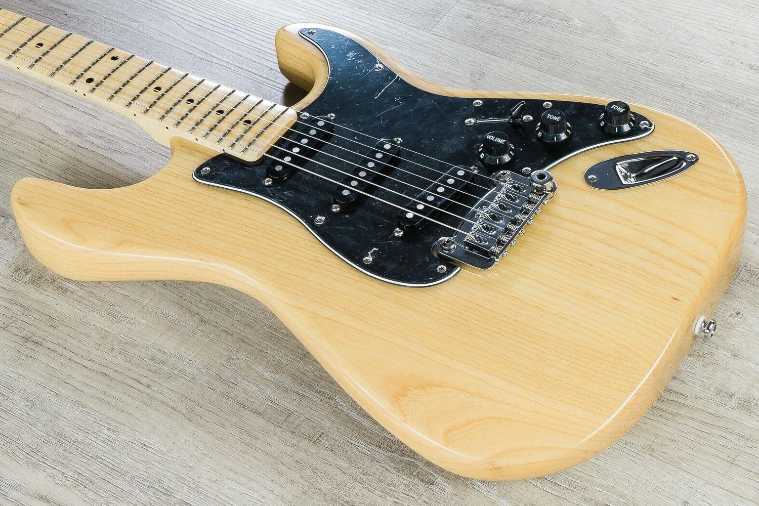 G&L Tribute Legacy Solidbody Electric Guitar Maple Fingerboard Natural Gloss
