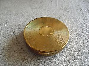 Vintage-Fancy-Avon-New-York-gold-Tone-Metal-Ladies-Pocket-Compact