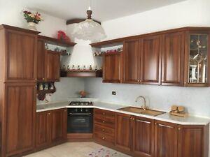 Dettagli su cucina usata in noce massiccio