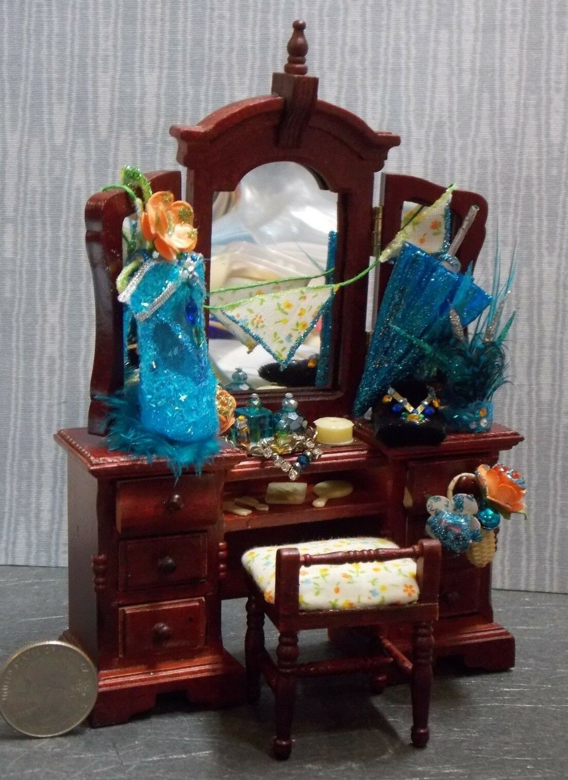 Dollhouse Miniature Circus Performer Vanity Dresser Table  1:12 1 inch scale F2