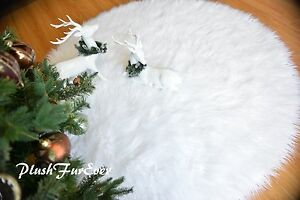 "5' 58"" Round Christmas Faux Fur Snow White Area Rug Sheepskin   Accents"