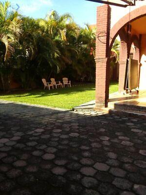 Casa Sola con Alberca en Col Tulipanes