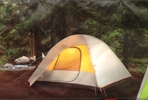 Coleman-5-Person-Instant-Cabin-Dome-Tent-Camping-Camp-WeatherTEC-Instant-Setup