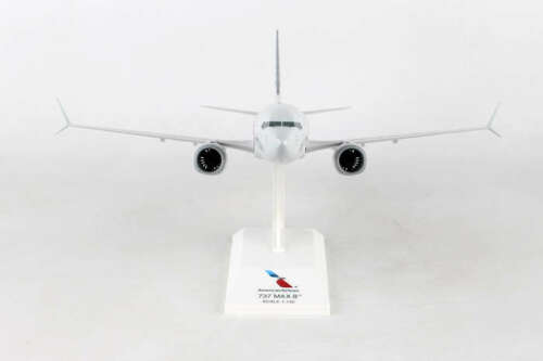 Skymarks SKR962 American Airlines Boeing 737-Max8 Desk Top 1//130 Model Airplane