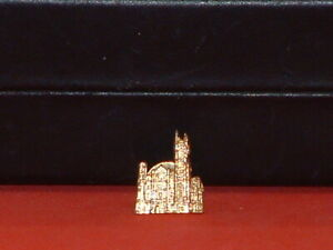 Pre-Owned-Vintage-Gold-Tone-Cathedral-Pin