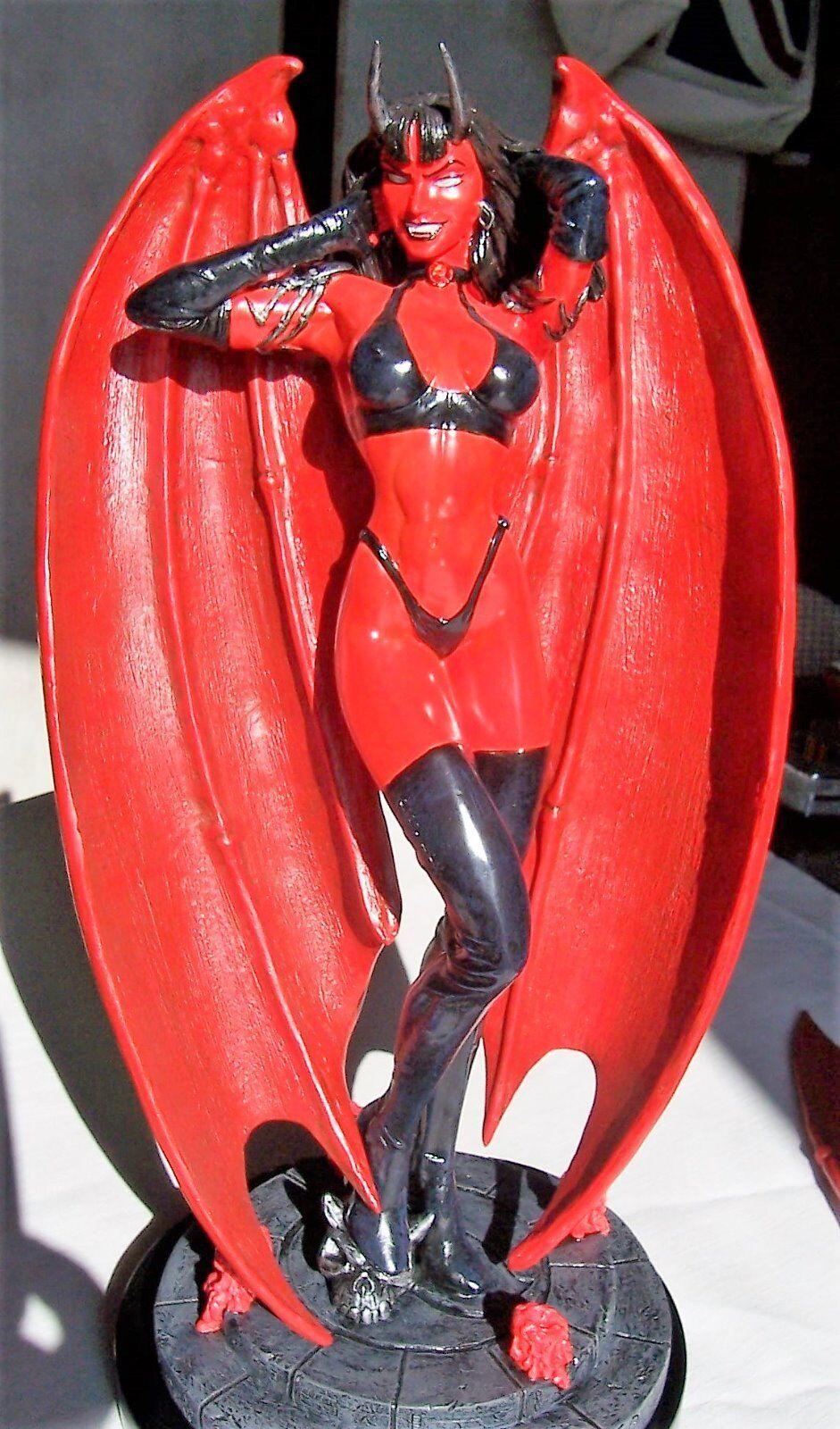Statue PURGATORI Déesse des vampires de  Brian PULIDO Edition limitée à 350 RUBY  juste l'acheter
