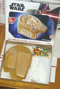 Star Wars Christmas Gingerbread Kit  Millennium Falcon ✨  Minor Dent on box