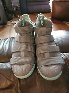 Unisex Kids Nike Lebron Soldier 11 Size