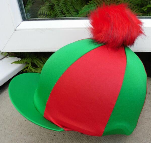 Cappello Da Equitazione Lycra Seta Skull Cap Coperchio Emerald E Verde E Rosso Grande In Finta Pelliccia Pon Pon Eppure Non Volgare