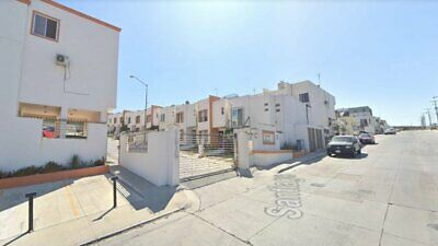 Venta de Casa en Tijuana Colinas de California privada con acceso controlado muy segura buen nivel
