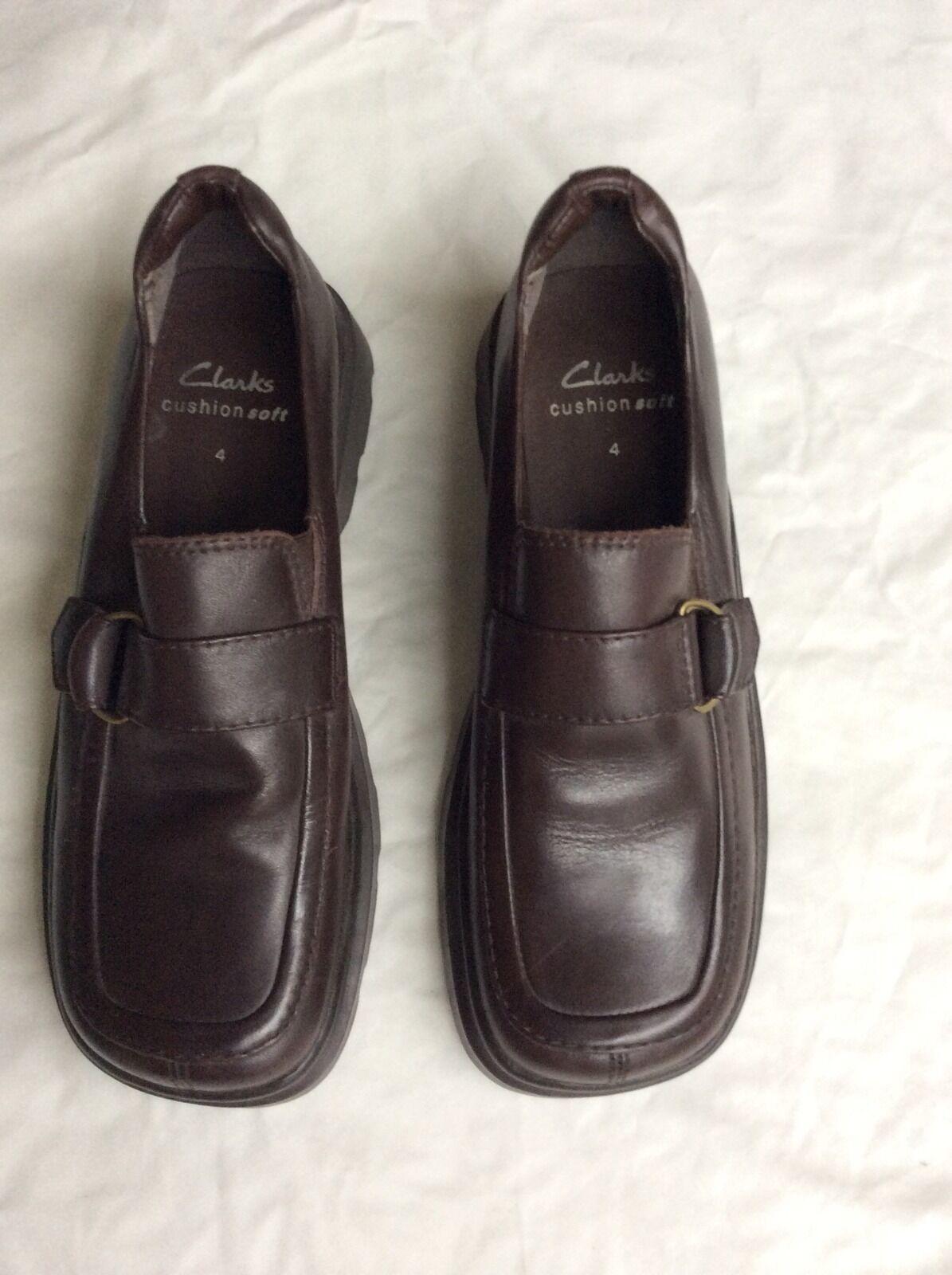 NWOB Ladies Clarks shoes cushion soft loafers UK4