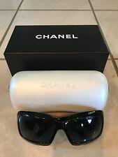 ICONIC CHANEL MOTHER OF PEARL MOP BLack SUNGLASSES 5076-H BX AND CASE