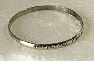 Vtg-heavy-solid-sterling-silver-bangle-2-75-in-Bracelet-925-Chunky-14g-stamped