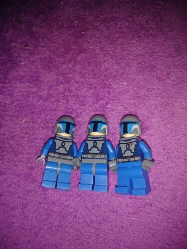 Lego star wars lot of three mandalorian figs with blasters and jetpacks