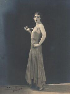 Mode-1920-Photographie-signee-Walery-Paris