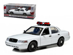 Ford-Crown-Victoria-Unmarked-Plain-White-Police-Car-With-Lights-Sounds-1-18Model