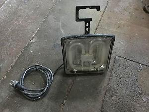 Projecteur-de-chantier-brennenstuhl-bloc-2-prises