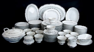 Vintage-Japanese-Fine-Seyei-China-Service-for-12-Marquis-Coupe-Soup-Berry-Bowls