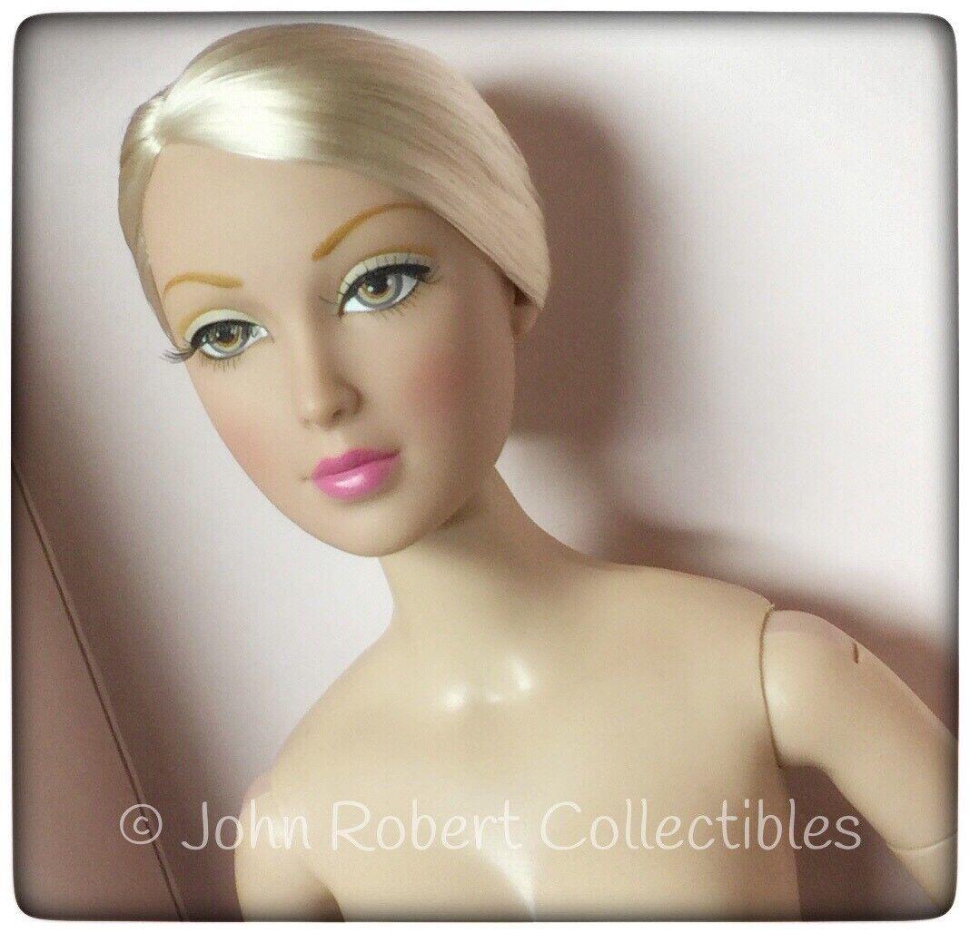 Esmoquin de Madame Alexander ALEX oro 1982 Nude Doll 2009 Colección 16