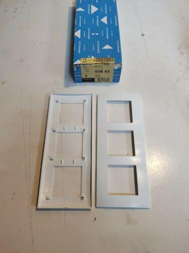 Arnould ESPACE 60865 Blanc Plaque Triple V 3 poste Lumière entraxe 57mm