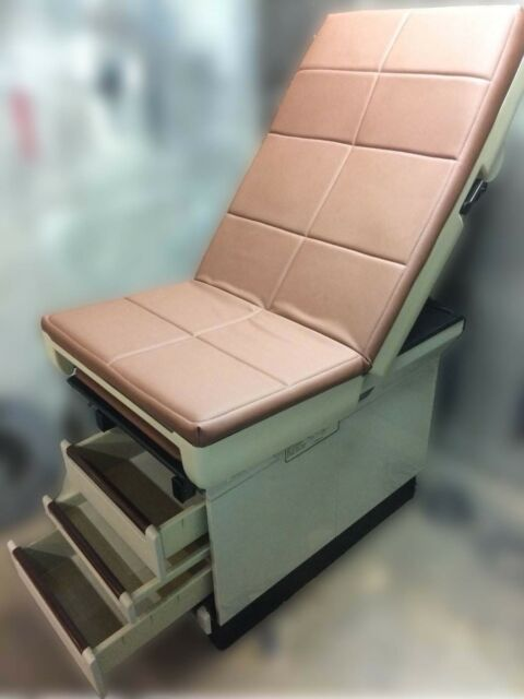 Midmark 404 Medical Exam Table With Stirrups And Good Upholstery Ebay