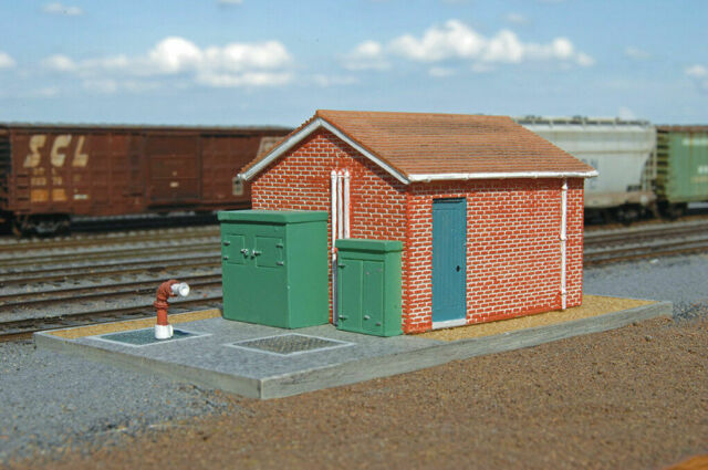 BACHMANN 35109 HO SCALE PUMP STATION PAINTED RESIN BUILDING BUILT FREE SHIP