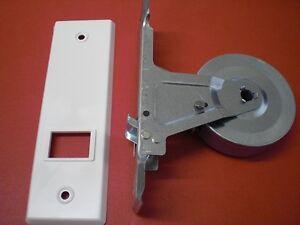 gurtwickler 13 5 cm lochabstand rolladengurtwickler gurtroller f r rolladen ebay