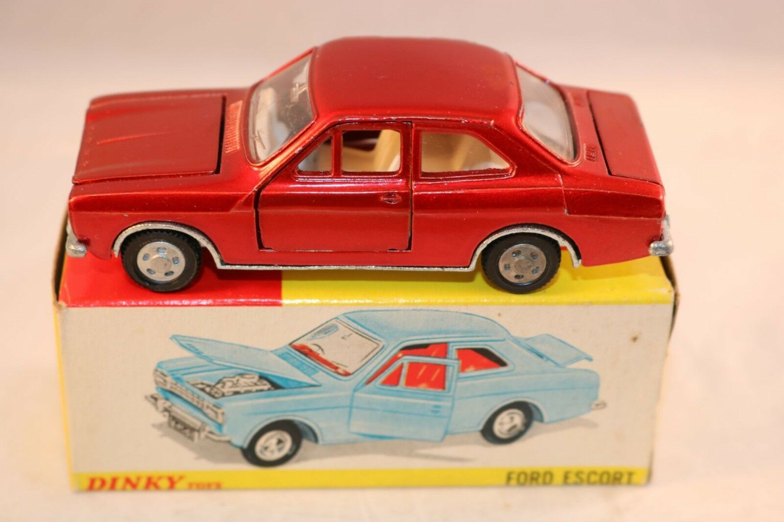 Dinky Toys 168 Ford Escort near mint in box all original condition