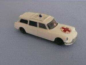 CITROEN-DS-Safari-Ambulance-HUSKY