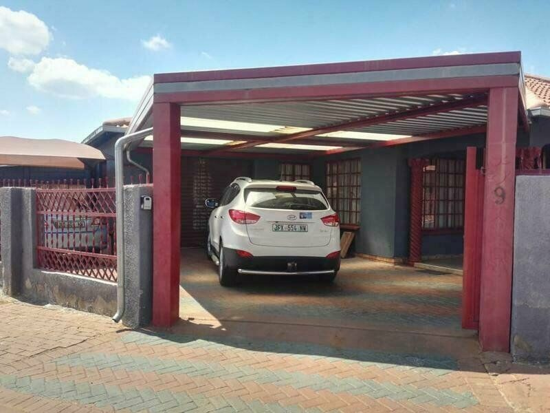 3Bedroom house for sale at Geelhout