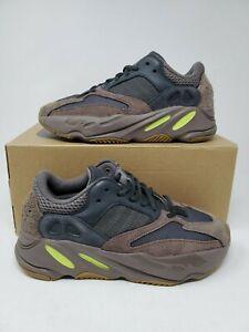 adidas Yeezy 700 Mauve Men's Size 10 1
