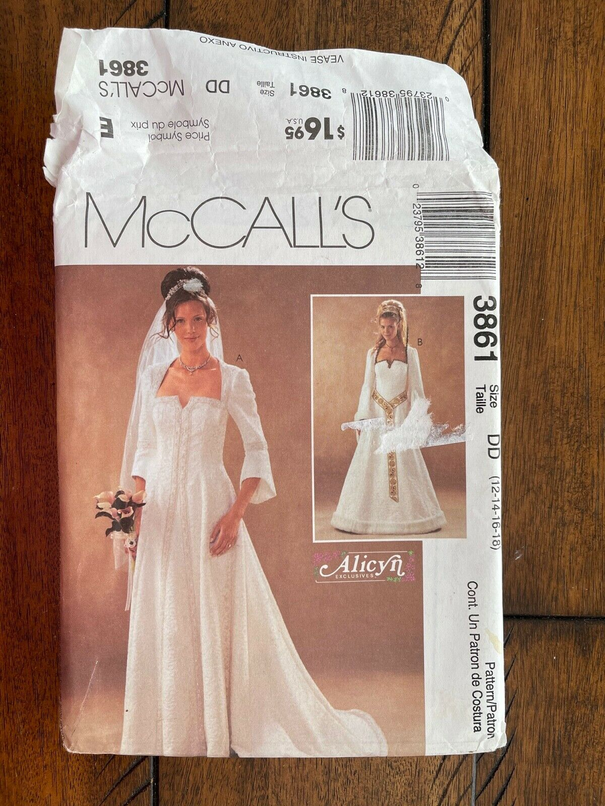 Bridal Gown Renaissance or Medieval Style Gown Evening or Wedding or Costume McCalls 3861 UNCUT Sewing Pattern