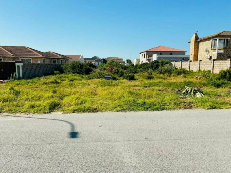 Well Positioned plot for sale in Bluewater BAY