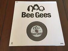 BEE GEES - DVD - TAMAÑO VINILO - 46 MIN - SAVOR EDICIONES - EN BUEN ESTADO