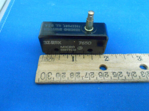 460 AC 250 DC 15AMP 1 POLE DOUBLE THROW 1 MOMENTARY NOS BZ-RSX MICROSWITCH 125