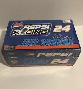 NEW-Revell-1-24-Jeff-Gordon-24-Die-Cast-Car-1999-Bank-Set-Pepsi-Racing-Sealed