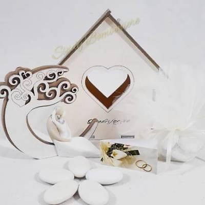 Bomboniera matrimonio sposi seduti con luna in legno e scatola a forma di casett