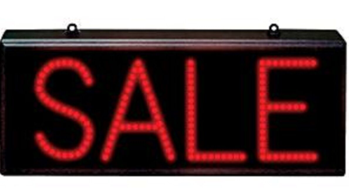 410 x 174mm LED Sale sign with flash function  new UK plug