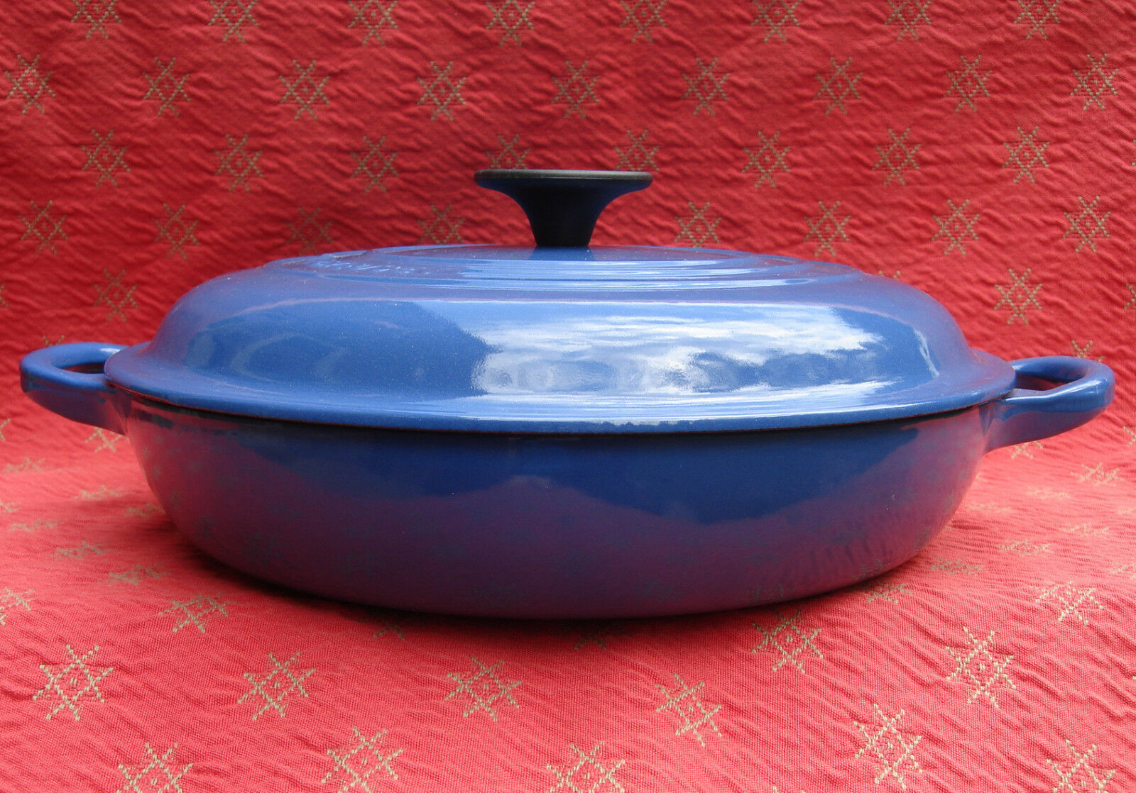 Nuevo En Caja Le Creuset Buffet Cacerola con tapa azul L2532-26 2 1 4 Qt Hecho En Francia