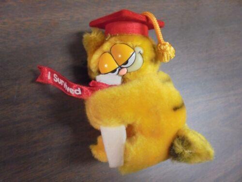 "Adorable Dakin RED Hat /""I Survived/"" Stuffed  Plush Garfield Graduation Clip On"