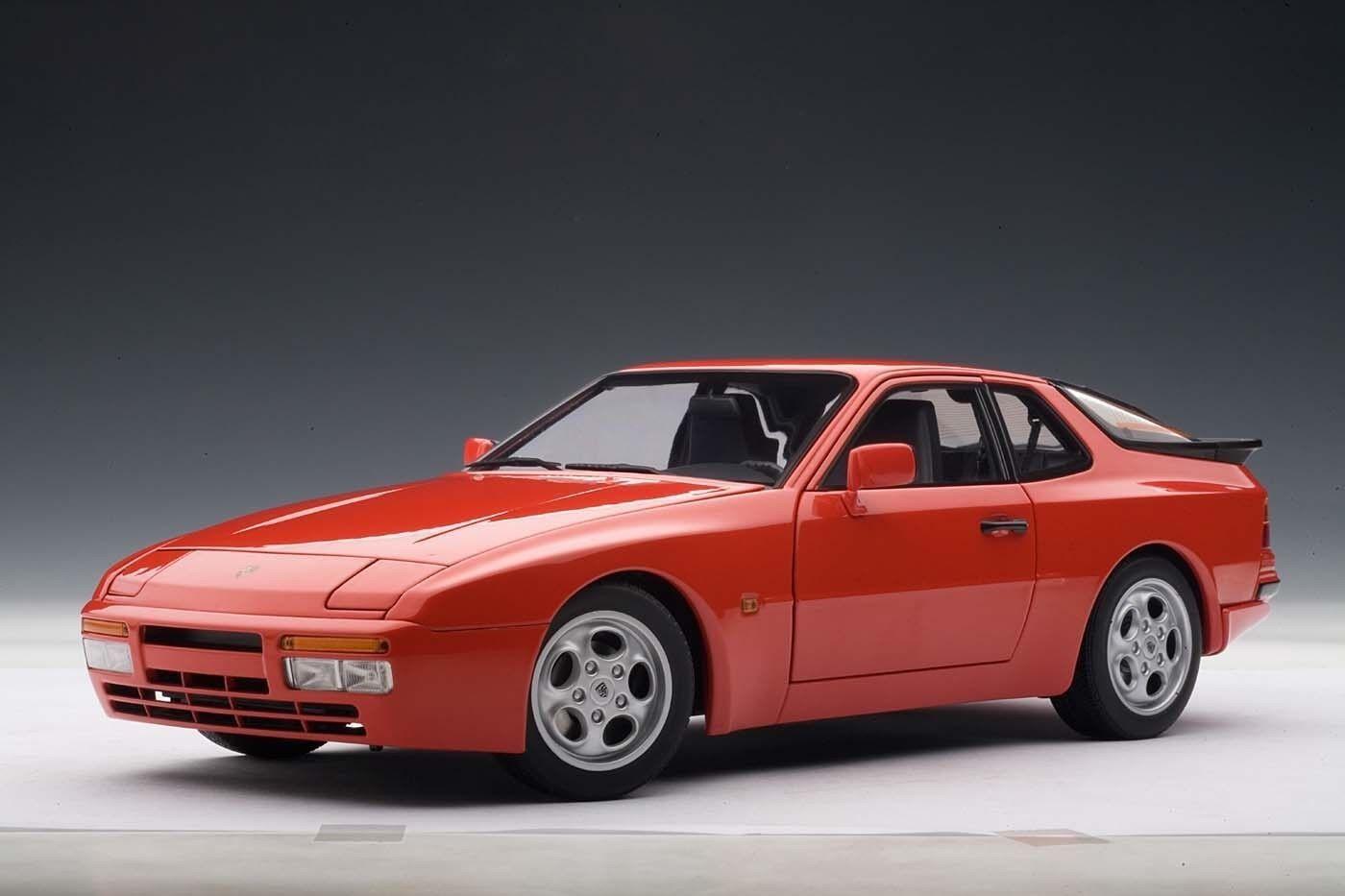 1985 PORSCHE 944 TURBO Guards rouge 1 18 by Autoart  77957 new in box RARE modèle