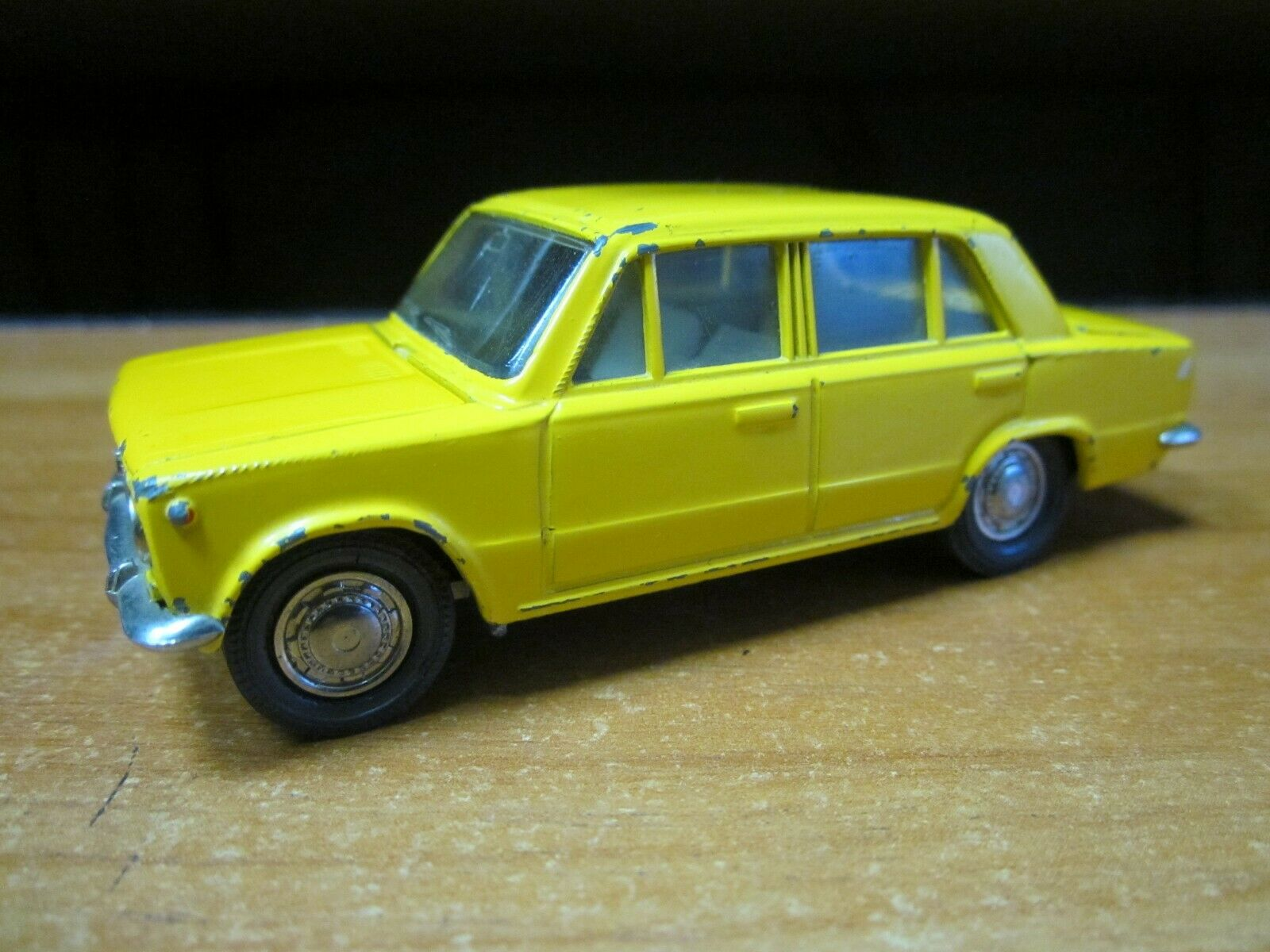 Collectible VAZ 2101 A9 Vintage Toy Car Diecast Scale Scale Scale Model 1 43 Soviet USSR a15548