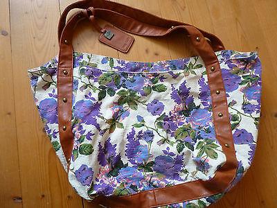 Suzy Smith London Tasche beige lila mit Blumen und Lederriemen mit Nieten