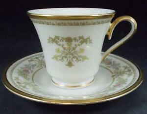 Lenox-CASTLE-GARDEN-Cup-amp-Saucer-no-signs-of-use-GREAT-CONDITION