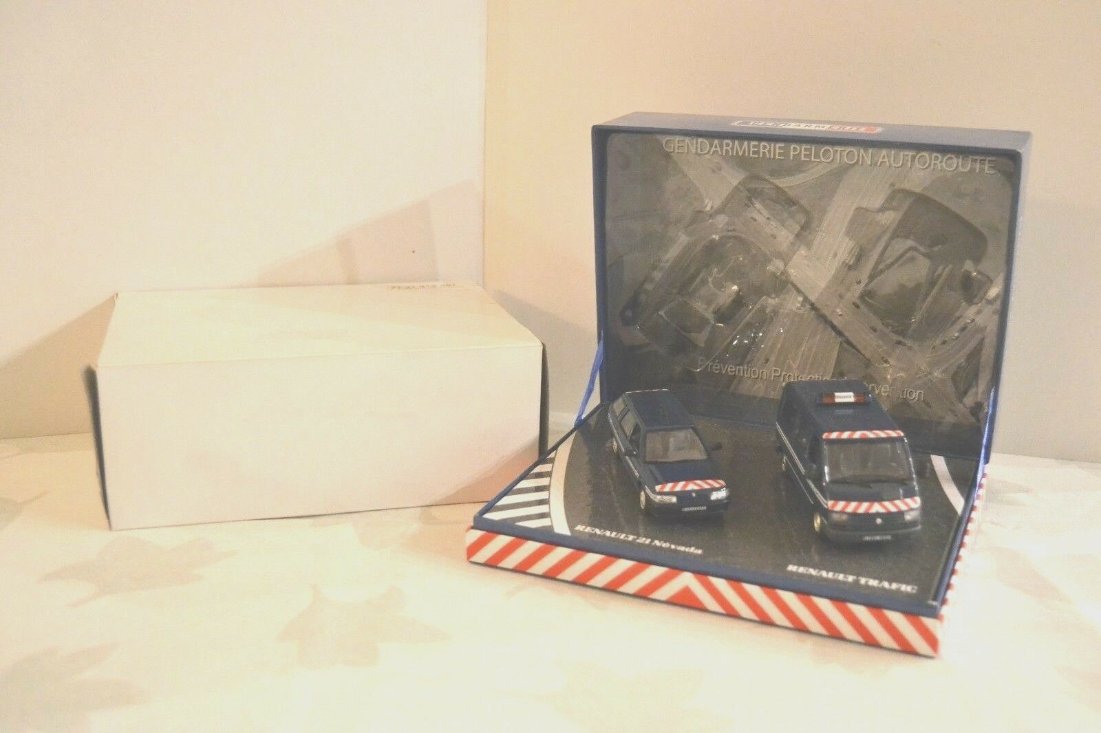 Norev 1 43 Coffret  Gendarmerie Peloton Autorute  1995. Réf. 77 11 419 287.