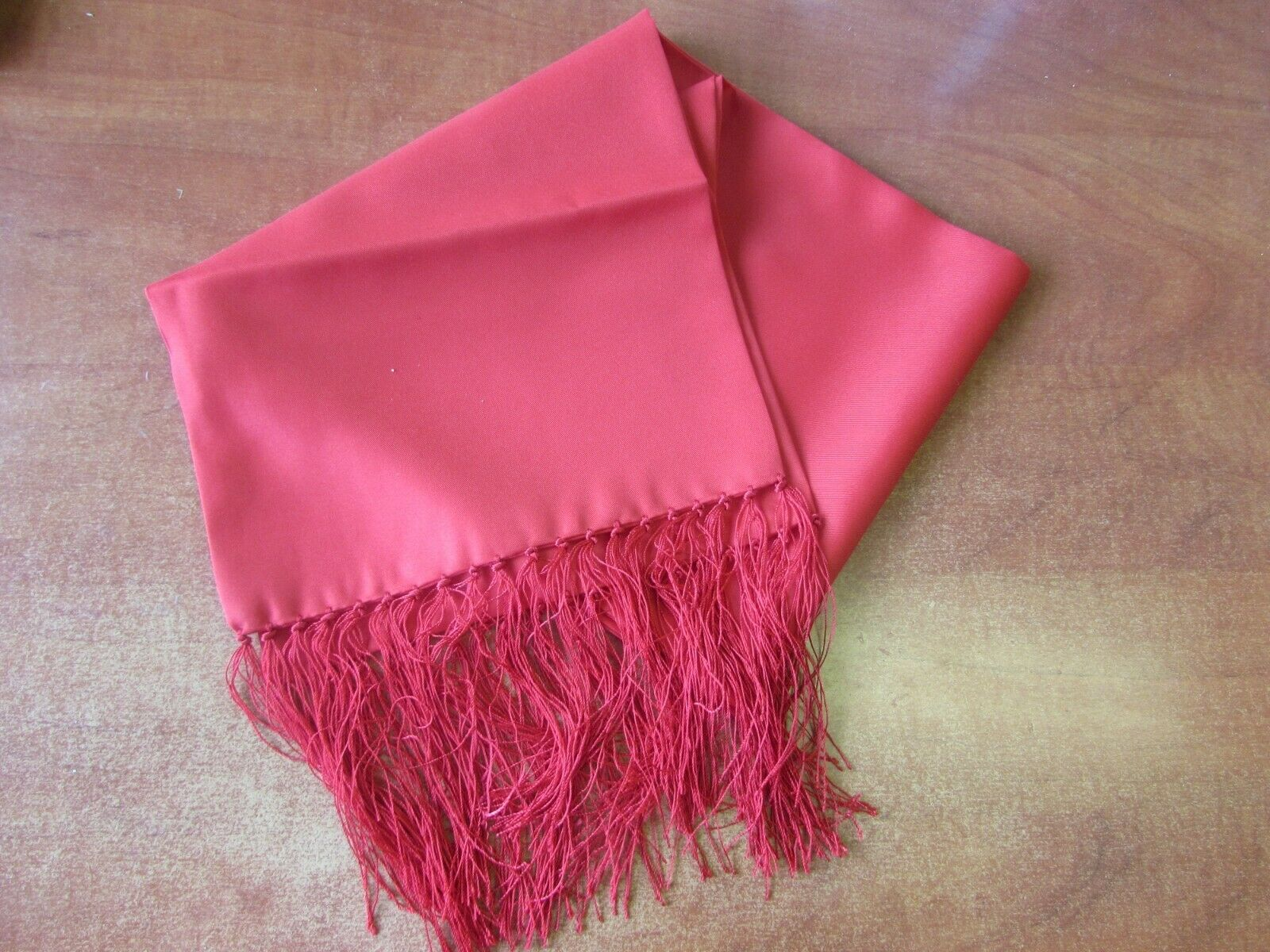 EVENING SCARF RED FRINGED IN POLYESTER
