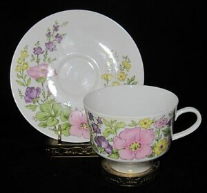 Bareuther-Waldsassen-122-Pink-Yellow-amp-Purple-Flowers-Coffee-Cup-amp-Saucer-Set