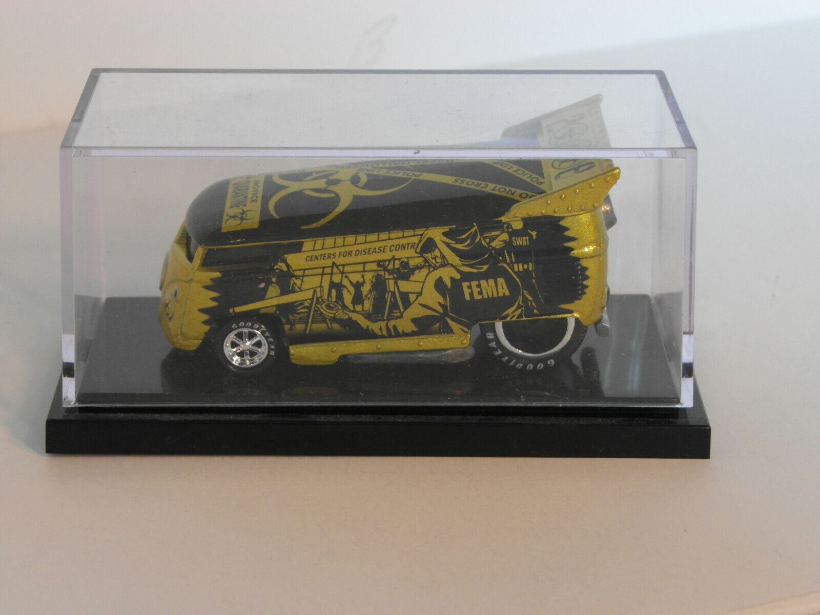 HW Liberty Promotions 2008 Halloween ZOMBIE VW Drag Bus  1155  1,300